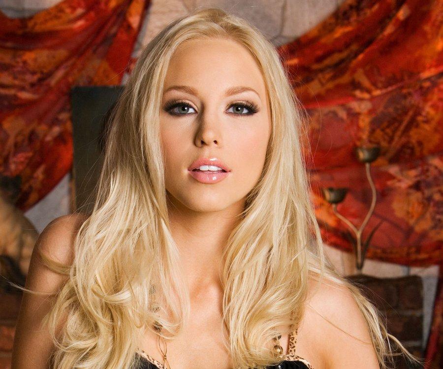 Brea Bennett (порно звезды смотреть онлайн)